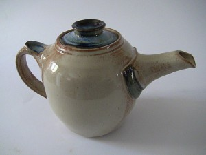 Wattlefield Pottery - Andrea Young - Teapot [2]